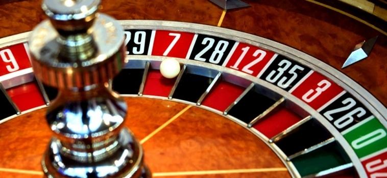Payout elusive on US hedge fund's Vietnam casino bet